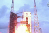 Orion capsule makes perfect test flight