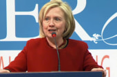 Clinton focuses on pocketbook economic issues