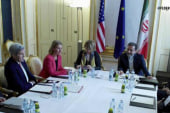 Iran negotiators hit snag in extended talks