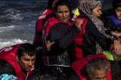 Migrants continue to make dangerous trek