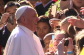 Pope 'selfie' causes debate on social media