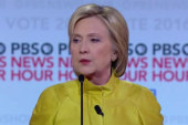 Clinton slams Sanders for criticizing Obama