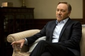 Fans prep for 'House of Cards' binge-watching