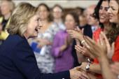Clinton leaves door open for White House run