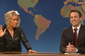 'SNL' spoofs Jersey tan mom; Stewart talks...