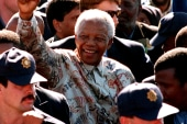 Mandela hospitalized with lung ailment