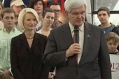 Gingrich won't stop attacks on Romney