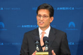 Cantor loses primary in stunning blow to GOP