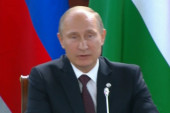 Putin moves into Syria debate with op-ed