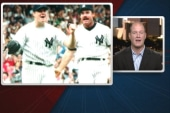 Former MLB pitcher born with no right hand...