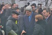Kerry has 'very emotional walk' through Kiev