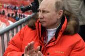 Putin signs treaty on Crimea