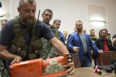 Investigators begin work on MH17 black boxes
