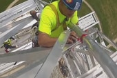 Video shows workers near top of Washington...