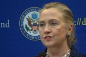 Clinton faints, suffers reported concussion
