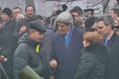 'Passionate' Kerry pledges support to Ukraine
