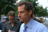 Anthony Weiner mocks reporters
