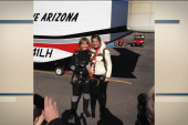 Giffords marks shooting anniv. with skydive