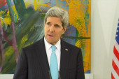 Kerry in Germany to smooth over tensions