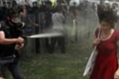 Police clash with protesters in Istanbul