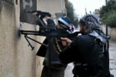 Syrian army defectors join rebels to fight...