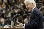 Clinton offers advice to top business leaders