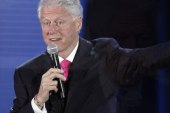 Clinton splits with Obama on Syria crisis