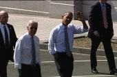 Obama, Biden walk to get lunch
