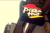 Pizza Hut offers ousted manager his job back