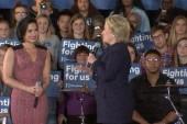 Demi Lovato praised at Clinton event