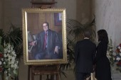 The Obamas pay respects to Justice Scalia