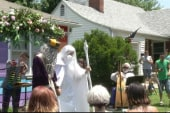 Geek love! Gandolf, Dumbledore wed in Kansas