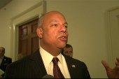 Secy. Johnson reacts to gyro-copter landing