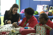 Princess Kate wraps gifts during Harlem visit