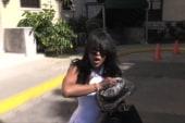 Naomi Campbell whacks cameraman in Cuba