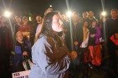 Kayla Gissendaner speaks at vigil outside...