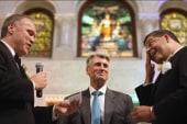 Minneapolis mayor woos same-sex couples