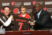 Sports Matters Moment: Browns sign perfect...