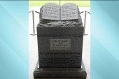 Alabama bill pushes for 10 commandments in...