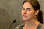 Amanda Knox opens up about experiences in...