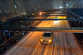 Storm dumps snow across Midwest, Northeast