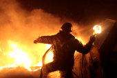 Violence continues in Ukraine as truce fails