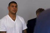 Patriots TE Hernandez charged with murder