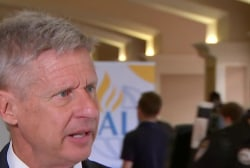 Libertarian party getting more attention