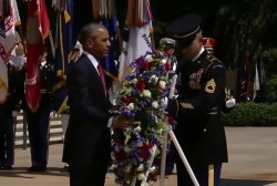 Obama lays wreath at Tomb of Unknown Solider