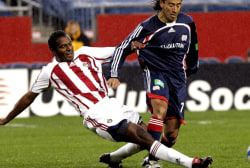 Soccer great Carlos Llamosa shares journey