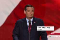 Cruz shares story of fallen Dallas police...