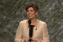 Sen. Ernst: Clinton cannot be trusted
