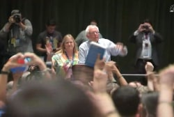 Jane Sanders caught in 'hot mic' moment