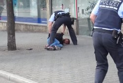 German cops arrest Syrian after machete...